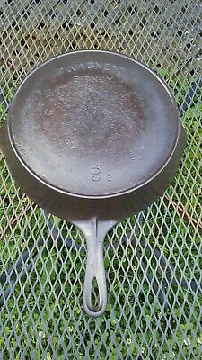 Antique Wagner No. 9 Arch Logo Cast Iron Skillet Restored Cleaned