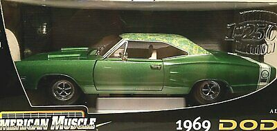 1969 DODGE SUPER Bee 2005 Johnny Lightning Mopar Or No Car 1