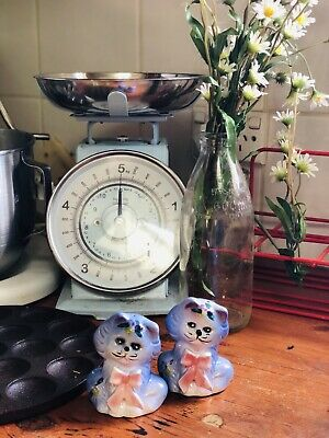 VINTAGE RETRO KITCHEN SALT AND PEPPER SHAKERS Adorable Cats Kittens