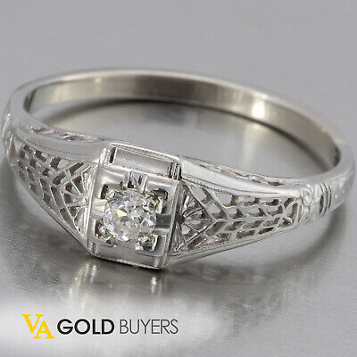 1920's Estate Art-Deco 18k White Gold Diamond Filigree Ladies Ring - 0.10 ctw