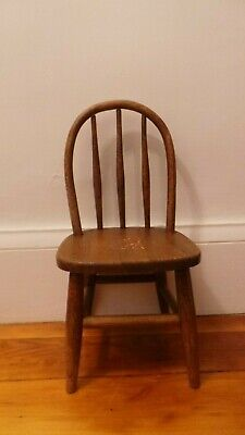 Antique American Spindle Bow Back Bentwood Child's Chair Peg Legs Deer Decal