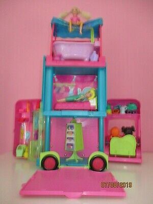 Polly      Pocket        Camping        Car