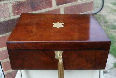 LARGE c 1900 FLAME MAHOGANY JEWELLERY BOX LIFT OUT TRIN TRAY LOCKING BRASS INLAY