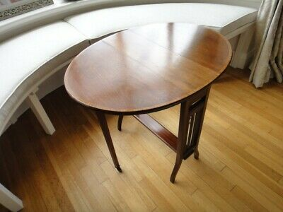 Elegant Neo-Classical Mahogany Drop-leaf Occasional Table with Marquetry edge