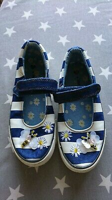 Girls Size 11 Blue And White Pumps With Flower And Bee Motifs From Matalan