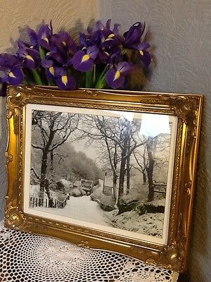 Stunning  Antique/French style Swept Gilt Frame with Print  #3151