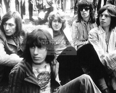 The Rolling Stones Legendary Rock Band - 8X10 Publicity Photo (Op-343)
