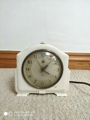 Vintage Smiths Sectric Electric Bakelite Mantle Clock. Working Made in England