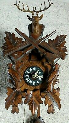 Vintage black forest  medium hunter cuckoo clock fantastic condition