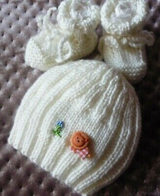 BABY BEANIE & BOOTIES SET. HAND-KNITTED BY ME. Brave Little Lion Button. SOFT.