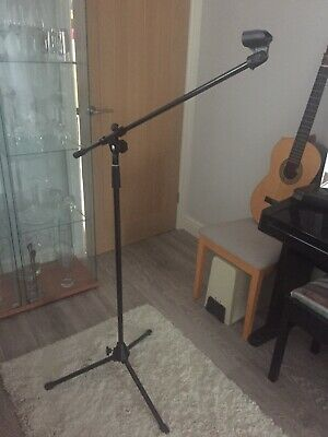 4 Microphone  Boom Stands & Gig Bag For 5 Stands