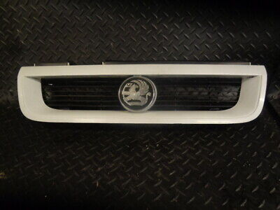 1993 Vauxhall Cavalier Gis Auto 5Dr Front Grill 90461335