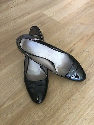 Salvatore Ferragamo  Black  Leather Court Shoes With Mid Heel Size 6