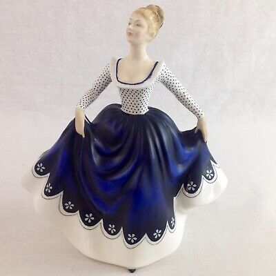 Royal Doulton Figurine Lisa HN2310 Vintage