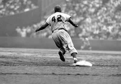 JACKIE ROBINSON DODGERS HALL OF FAME LEGEND STEALS HOME CLASSIC 8X10 PHOTO 3