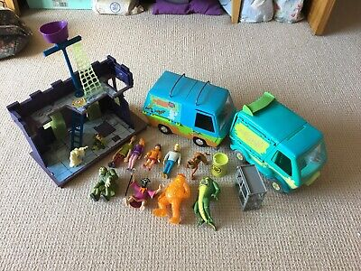 Scooby-Doo! Toy Figures, Playset  & Mystery Machines Job Lot Bundle