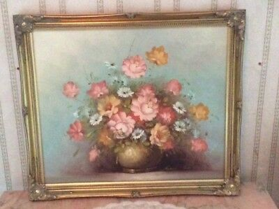 Robert Cox original oil painting of flowers, signed. Gilded frame. 70 x 60 cms.