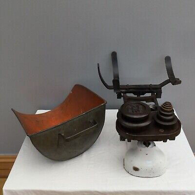Vintage Cast Iron Weighing Scales Pan And Weights W & T Avery Shop Ind Film Prop