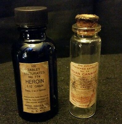 059abd6ab8b8 3 VINTAGE STYLE Heroin 1 Lily & 2 Bayer Glass Bottles by Artist ...