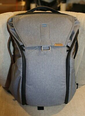 Barely Used - SMOKE FREE HOME- Peak Design Everyday Backpack 30L Ash