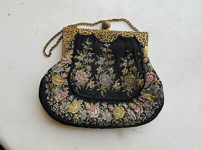 Petit Point Tasche Lupen Stickerei Wien Belle Vienna embroidery cross stitch