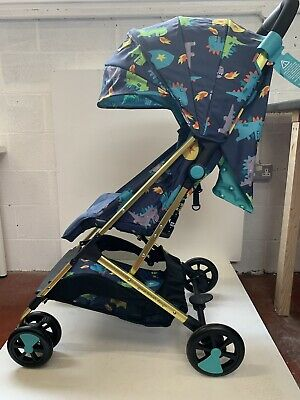 Brand new Cosatto woosh stroller Dragon Kingdom with raincover from birth - 25kg