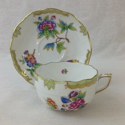 Herend Queen Victoria Cup and Saucer VBO 724 Green Border