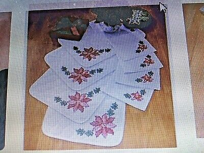 Herrschners SCARLET POINSETTIA 4 PLACE MATS & 4 NAPKINS Stamped Cross Stitch