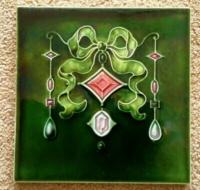 Excellent Art Nouveau Jewel tile, T R Boote  c1907.