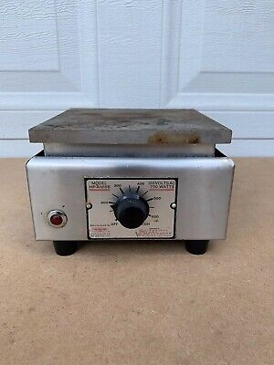 Vintage Thermolyne Type 1900 Hotplate Model HP-A1915B  750 Watts 115 Volts AC