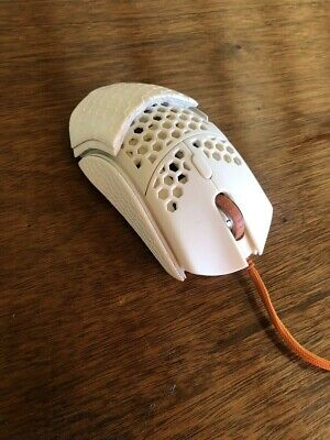 Final Mouse Ultralight 2 Foamposite Gaming Mouse Cape Town in hand