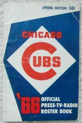 Autographed 1966 CHICAGO CUBS Media Guide SIGNED By 23 w/ BANKS SANTO DUROCHER