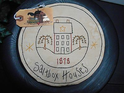 Primitive Stitchery Saltbox House 1878 Stained Candle Mat Table Runner Tuck Tag