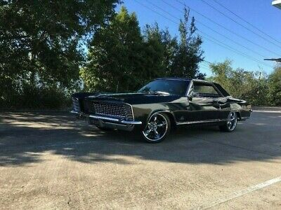 Buick Riviera, not Chev, Mustang, Pontiac, Dodge