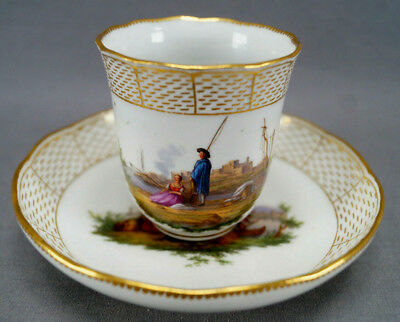 Meissen Hand Painted Courting Couple Boats Castle & Gold Chocolate Cup C. 1740