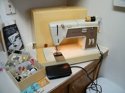 Singer Touch & Sew Sewing Machine 758 Case Pedal Extras