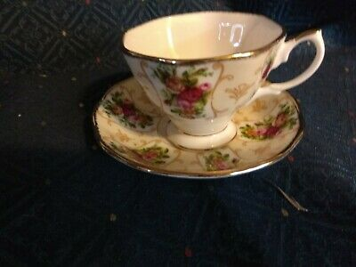 Royal Albert Bone China - Teacup & Saucer - Rose Cameo Peach