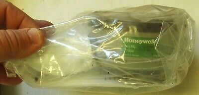 Honeywell Respirator Model 7904 WITH Carry Bag / FREE Shipping!!!!
