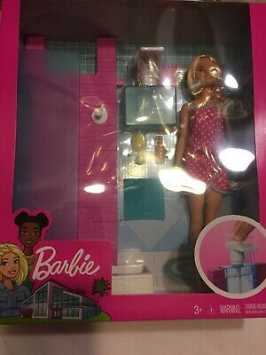 2012 BARBIE GLAM DOLL /& BATHROOM PLAYSET #Y2856  *NEW*