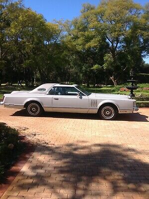 lincoln continental. 1977. Cartier Edition. White Showroom Condition