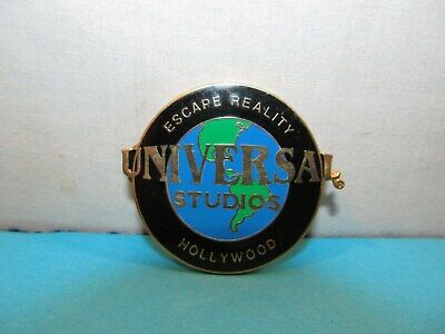 Escape Reality UNIVERSAL STUDIOS Hollywood California Pin Back Button Lapel Sign