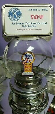 1950s Ford gumball machine old penny glass globe padlock and key nice C026515