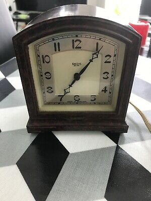 Vintage Bakelite Art Deco 'Smiths OF Cricklewood London NW Clock