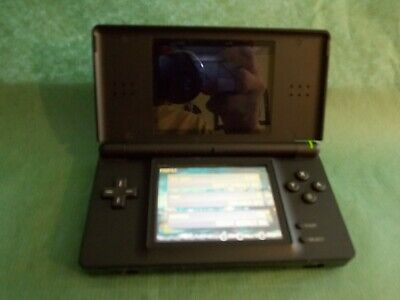 Nintendo Ds Lite Model Usg-001 Black W/ Need For Speed Carbon Own The City