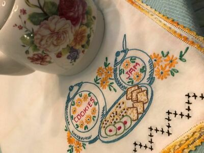 COTTAGE SWEET VINTAGE * Embroidered COOKIES & JAM * Crochet Lace TEA CLOTH