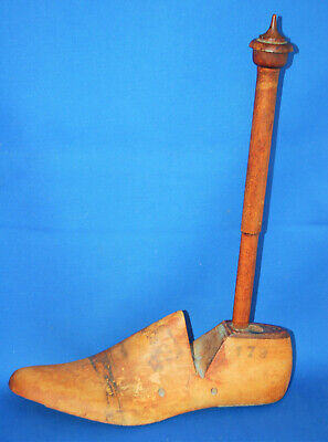 A characterful vintage shoe last double toilet roll, single kitchen roll holder