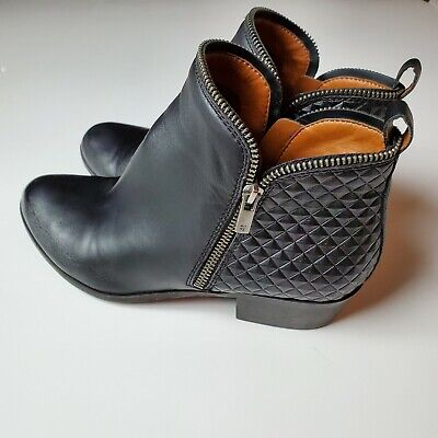 Lucky Brand Girls Bartalino Black Leather Embossed Ankle Boots Booties SZ 5