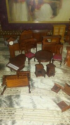 Vintage wooden dollhouse furniture lot. Around 22 or more pieces.