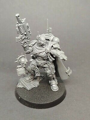 Warhammer Primaris Space Marines Vanguard Captain in Phobos Armour Shadowspear