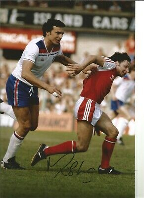 Football Autograph Mickey Thomas Wales Signed 12x8 inch Photograph JM105